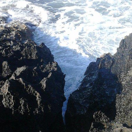 Akti Beach Tourist Village : А пляж для купанья, крайне редкость