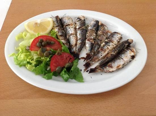 Markakis Taverna: grilled sardines