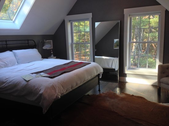 Hillside Schoolhouse : One of the bedrooms