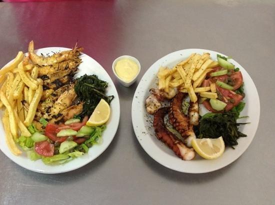Markakis Taverna: good seafood plates