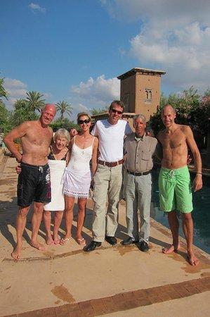 Hotel By Beldi: Groepsfoto aan het zwembad