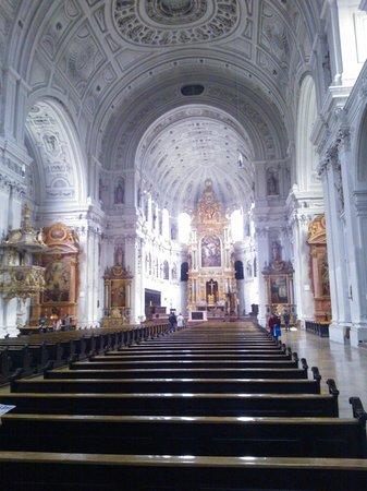 Michaelskirche: Inside