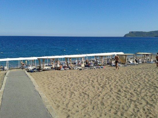 Garden Resort Bergamot Hotel : La plage