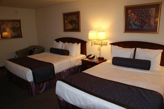 Best Western Coyote Point Inn: Zimmer