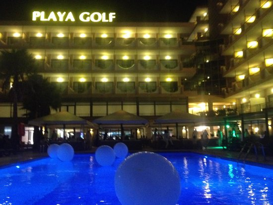 Playa Golf : Funny night