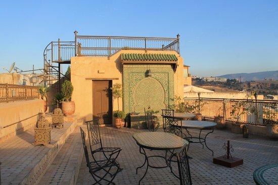 Ryad Alya: La terraza