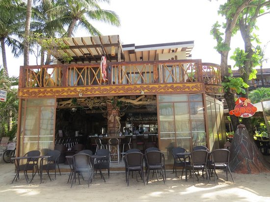 Red Coconut Beach Hotel: Coco Bar