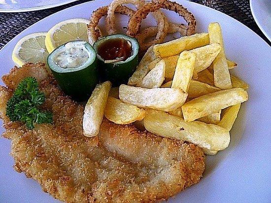 Anchor Roof Top Beer Garden: The juicy Fish & Chips!