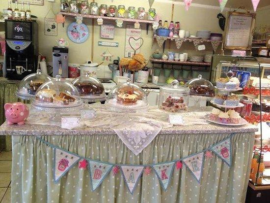 Ravenstone, UK: Yummy cakes