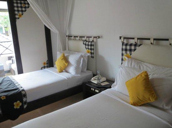 Candi Beach Resort & Spa : Das Zimmer