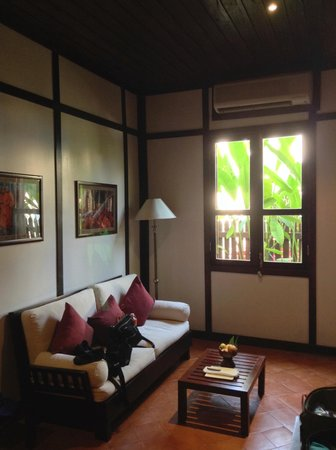 Hotel 3 Nagas Luang Prabang MGallery by Sofitel: Sitting Area in Room
