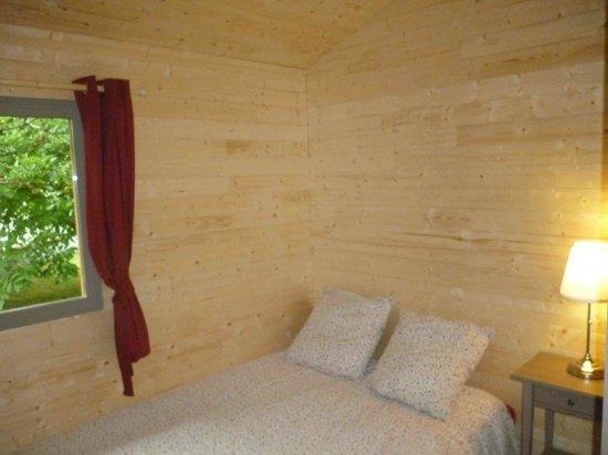 Gîtes des Noisetiers : chambre