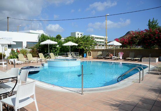Elarin Studios & Apartments : pool