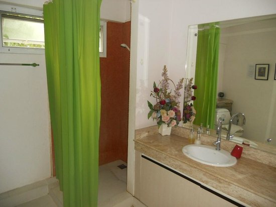Baan Manusarn: salle de bains