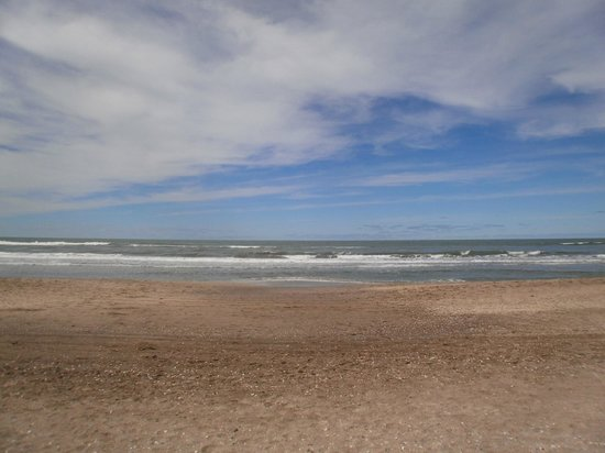 Hotel de Cine Las Golondrinas : ...a escasos metros de la playa.