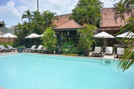 White House Beach Resort & Spa: piscine
