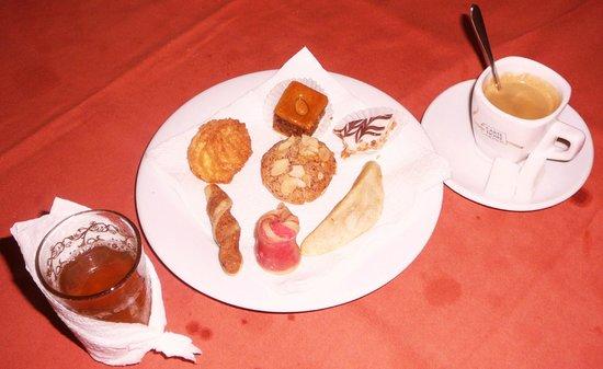 Riad Zahra Mogador : thé à la menthe et douceurs orientales