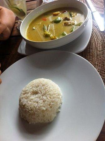 Pregina Warung : chicken curry
