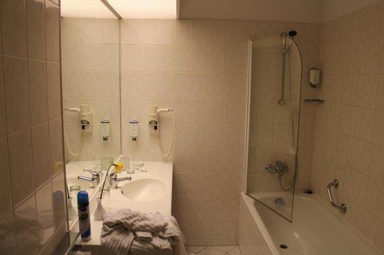 Mabre Residence Hotel: ванная