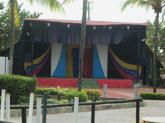 Isla Caribe Beach Hotel : entertainment area