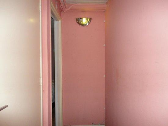 Il Giardino Hotel: entrance to room
