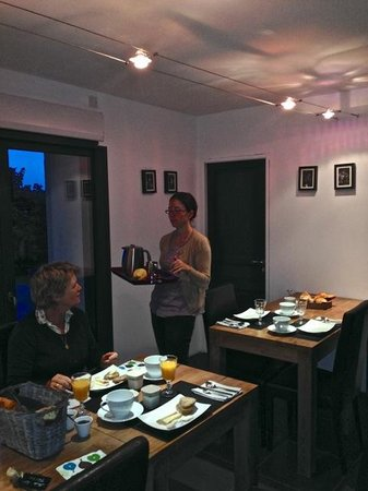 La Grange: Breakfast served