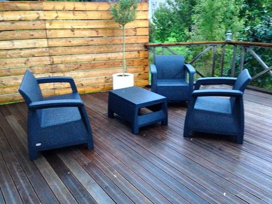 La Grange : Convinient outdoor Seating
