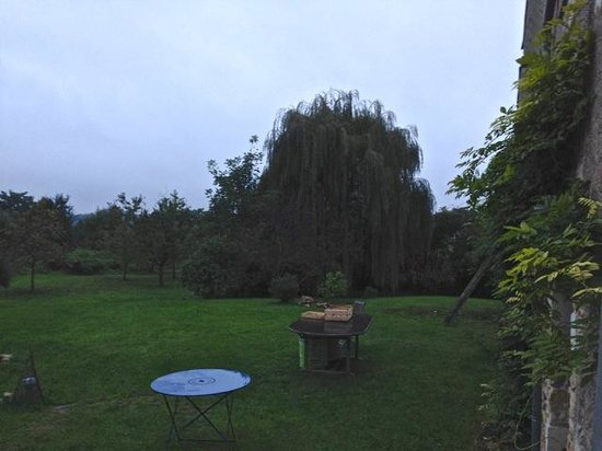 La Grange : Ample garden