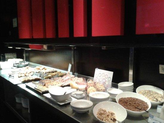 NH Collection Ria de Bilbao : breakfast