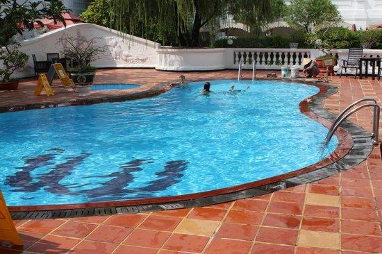 Hotel Saigon Morin : The pool