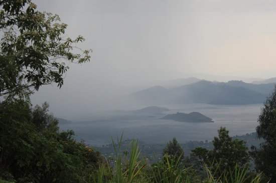Virunga Lodge: View of lake from outside room