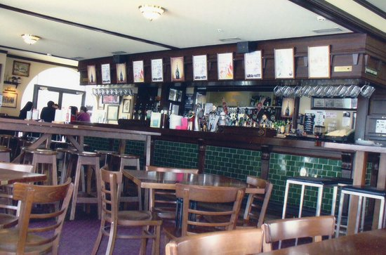 Pig And Whistle Pub : Have a Drink