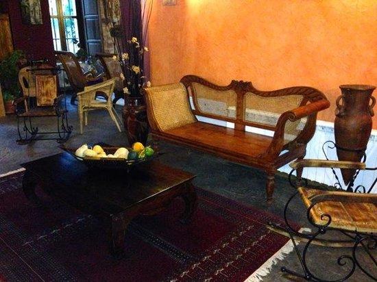 El Senorio De La Serrezuela: Lobby seat corner