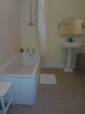 Trereife House: bathroom