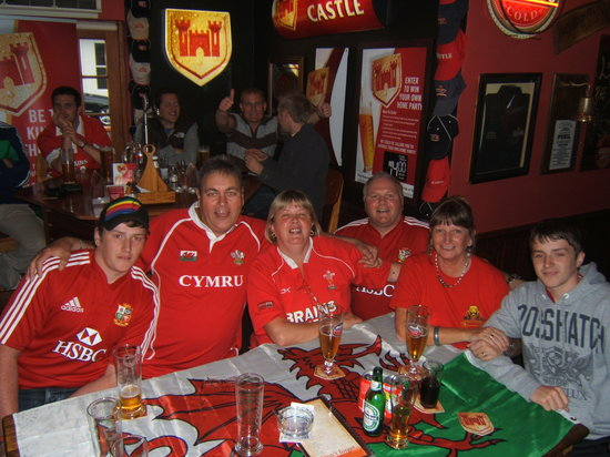 Olde's Pub and Grill: LIONS SUPPORTERS