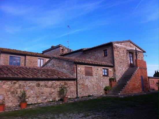 Agriturismo Casa Picchiata: Tipica costruzione Toscana.