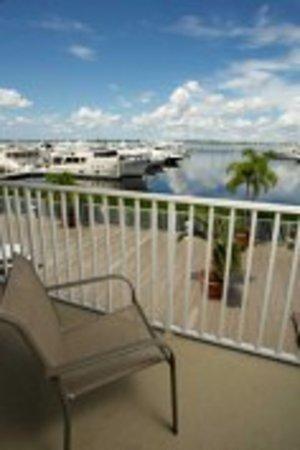 Legacy Harbour Hotel & Suites: Suite Balcony View