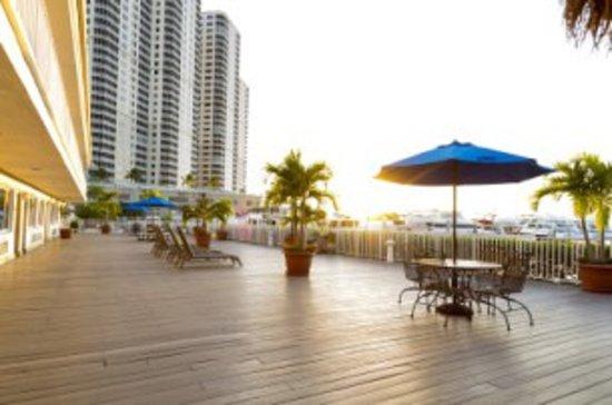 Legacy Harbour Hotel & Suites: Event Deck