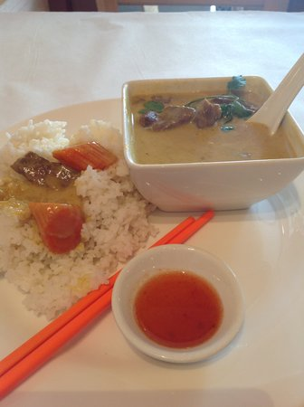 Bangkok West Thai: Beef curry