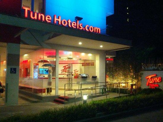 Red Planet Asoke, Bangkok: External marketing bling...