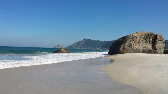 Abrico Beach: Mar lindo