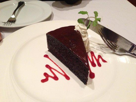 Restaurant Verbena : Divine chocolate cake.