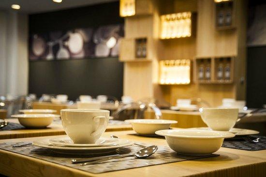 Hotel Forum Evolucion: Aquí disfrutará de un fantástico desayuno