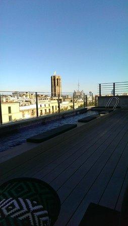 Hotel Bagues : Вид с крыши и бассейн