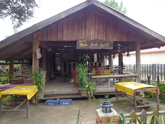 Kong Keo Guesthouse & Tours: Bar Area