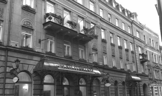 Hotel Francuski: Old world elegance.