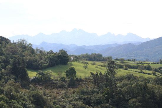 Hotel Rural Montañas de Covadonga: Vistas desde la habitacion