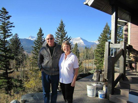 Sasky Mountain B&B: Sasky Mountain Hosts Brian and Doreen