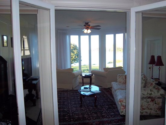 Saltair Inn Waterfront B&B: Sitting room in the master suite