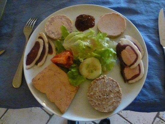 Auberge La Ferme du Brusquand : entrée méli mélo des spécialités de la ferme